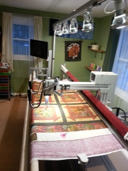 Amazing to have a Longarm machine and have the space for it too. I am lucky to have a great friend that I can visit and finish my quilt this way...THANK YOU SO MUCH URSULA