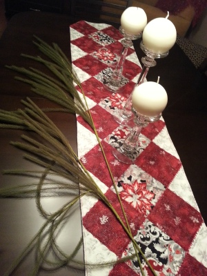 Finished Table Runner for the Holiday Season.